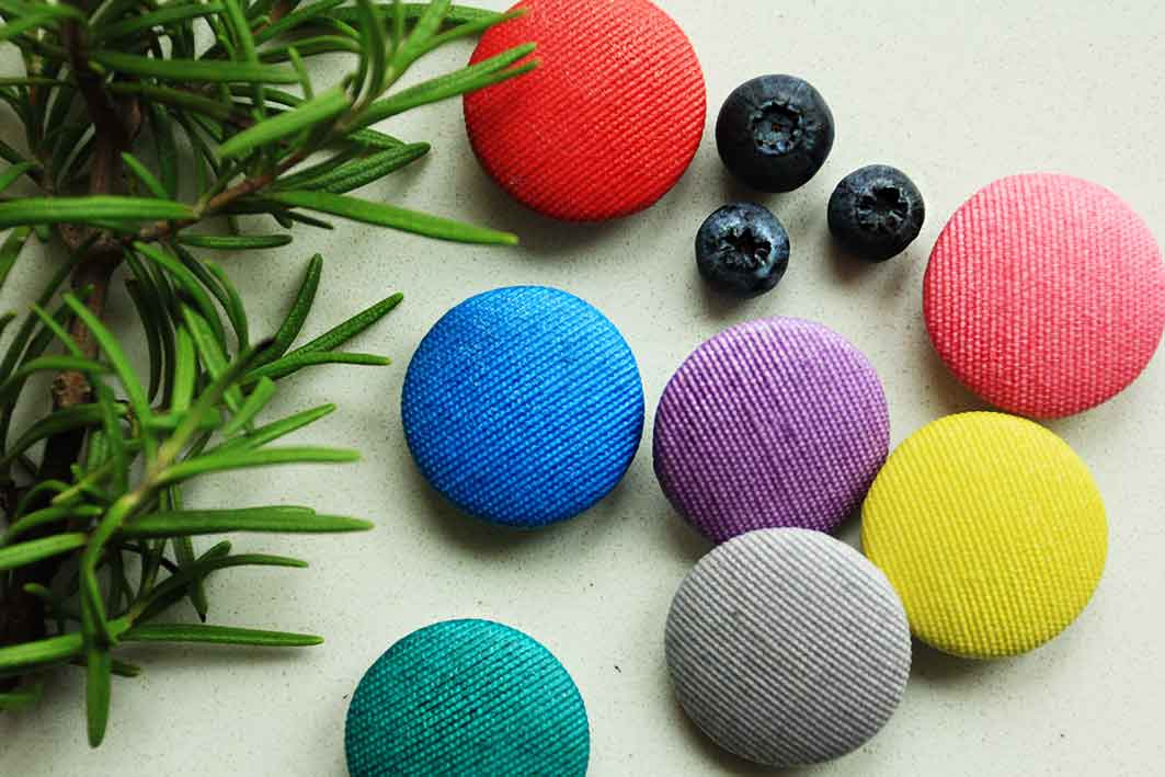 Пуговицы цветные для одежды, шитья, скрапбукинга, печворкинга от магазина пуговиц GOODzyky,Киев